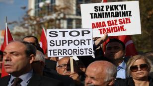 Avusturya'nın Ankara Büyükelçiliği önünde protesto