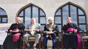 Avusturya'da dini temsilcilerden 'Birlikte Yaşam İçin Elele' eylemi!