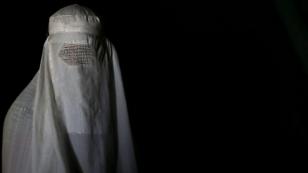 İsviçre'de burkayı yasaklamak için 100 bin imza toplandı!