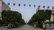 Tunus'ta son 4 gün içinde gelişen olaylar zinciri siyasi belirsizliğin giderek derinleştiğini gösteriyor