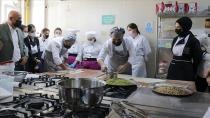 Avrupalı şefler Türk yemeklerini Kayseri'de öğreniyor